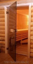 Дверь стеклянная для бани.