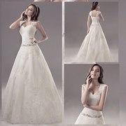 Кружевное свадебное платье на лямочках