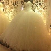 Мега пышное свадебное платье с длинным шлейфом