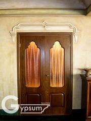 Обрамление двери из гипса
