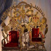 двойной трон