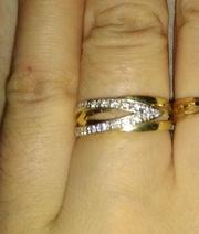 Золотое кольцо с бриллиантоми жёлтое с белым комбинированно