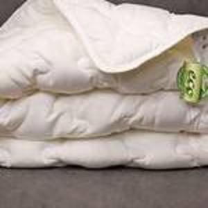 Одеяла из шелка.
