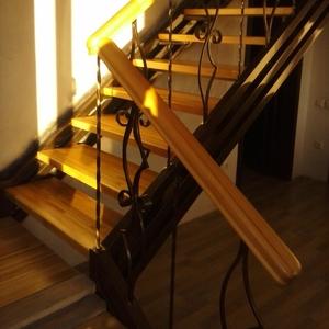 Деревянные лестницы. Изготовление и монтаж.