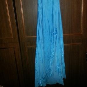 продам вечернее платье 46 размера
