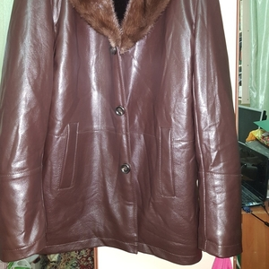 Продам зимнюю мужскую куртку