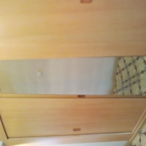 Шкаф встроенный трехсекционный 2, 8 х 1, 9 х 0, 42 м