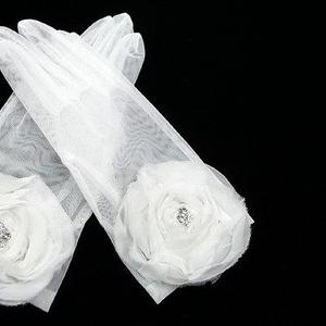 Свадебные перчатки в наличии!