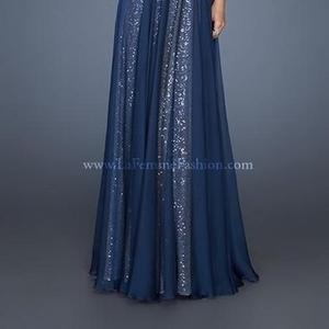 Продам вечернее платье от La Femme