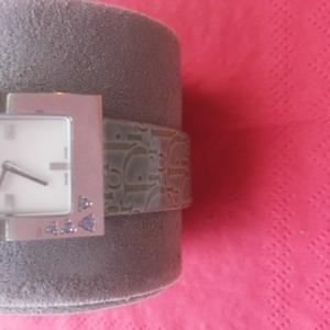 Продам женские наручные часы Christian Dior оригинал